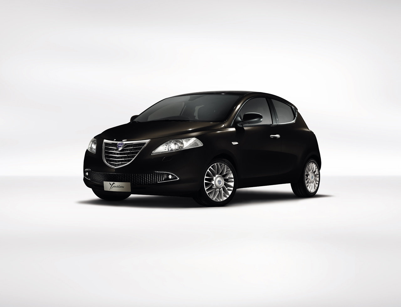 lancia new ypsilon updated pictures. Black Bedroom Furniture Sets. Home Design Ideas