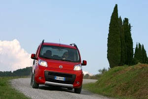 picture new fiat qubo model year 2011