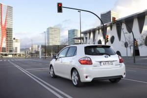 Picture 2011 Toyota Auris HSD